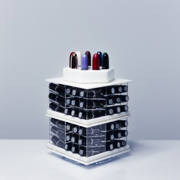 Organizer na pomadki  USADDICTED - Original Spinning Lipstick Tower - White