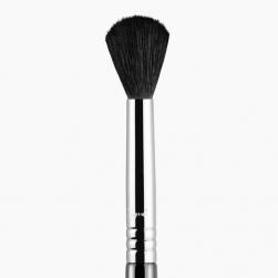 Sigma Beauty - F84 - Angled Kabuki™ Brush - chrome
